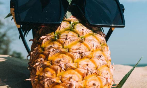 ananas la soare - mituri despre bronzare